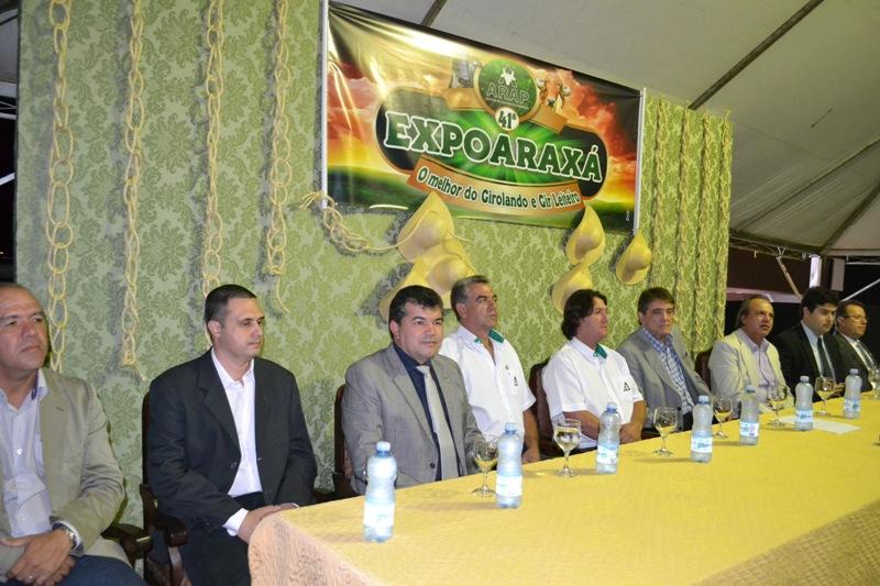ABERTA A 41ª EXPOARAXÁ