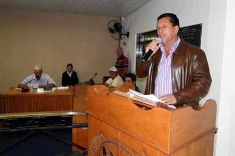 PREFEITO DE TAPIRA E SUA VICE SÃO ACUSADOS TER DESVIADO 20 MILHÕES DE REAIS