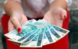 VERGONHA ARAXÁ:  SALÁRIO MÍNIMO R$ 880,00 – SALÁRIO DOS POLÍTICOS 20 MIL