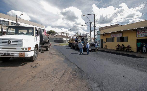 PREFEITURA DE ARAXÁ JÁ RECAPEOU  90% DO BAIRRO SÃO PEDRO